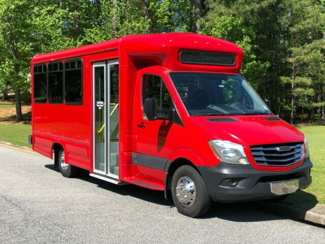 2014 Mercedes-Benz Sprinter (Red/Gray)