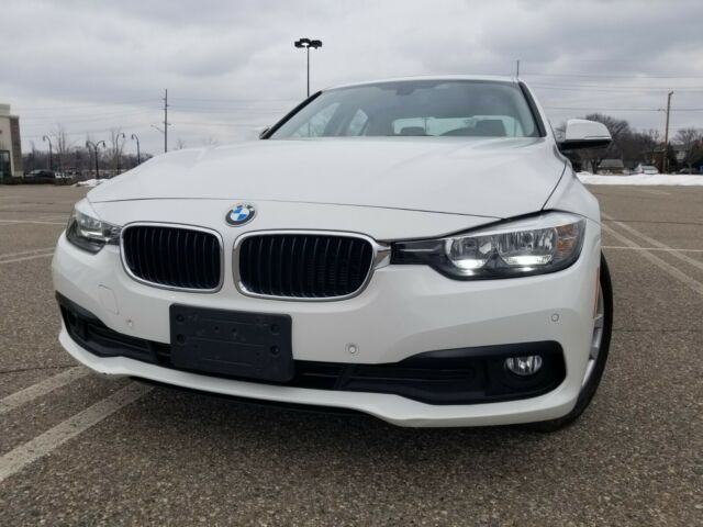 2017 BMW 3-Series (Alpine White/Venetian Beige/Black)