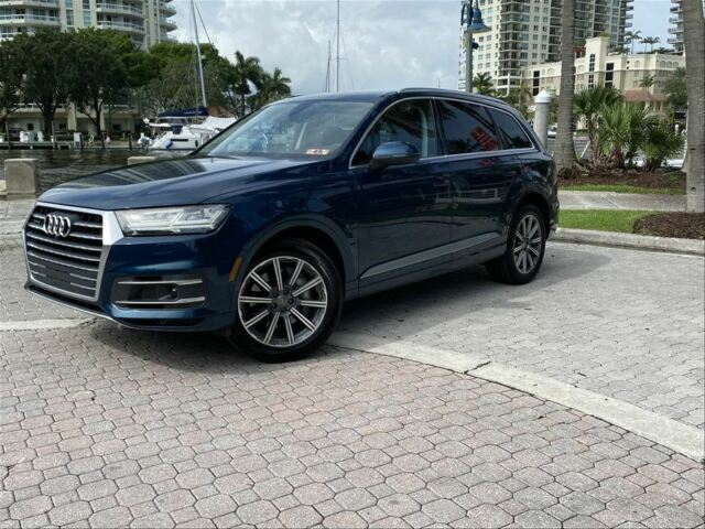 2019 Audi Q7 (Blue/Brown)