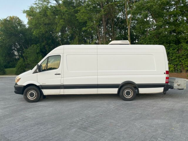 2015 Mercedes-Benz Sprinter (White/Black / Grey)