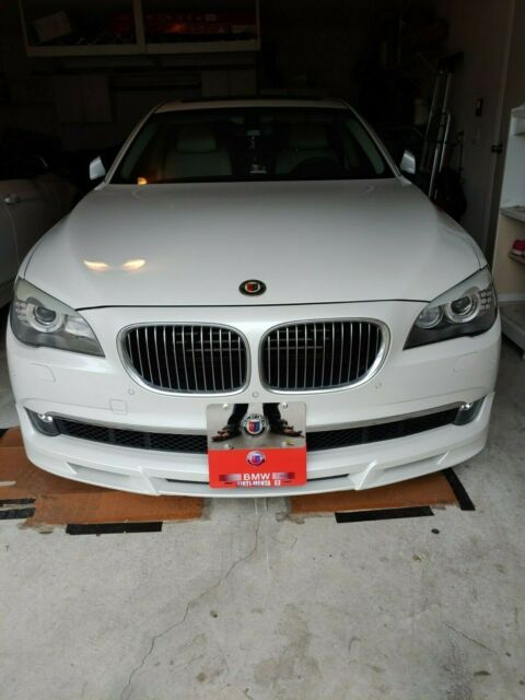 2011 BMW 7-Series (White/White)
