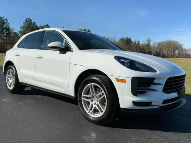 2019 Porsche Macan (Gray/Black)