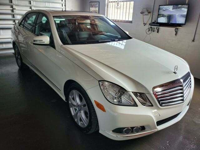 2011 Mercedes-Benz E350 (White/Black)